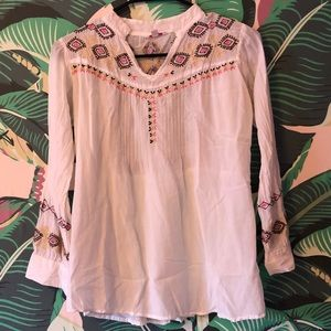 White boho shirt with stitching